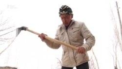 Бывший марафонец изготавливает кыргызские седла