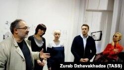 Марат Гельман, Алексей и Юлия Навальные с родственницами обвиняемых в беспорядках