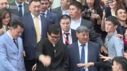 Джеки Чан жанкүйерлерімен кездесті