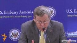 Հեֆերն․ Հայաստանը կարող է շահել և՛ Ռուսաստանի, և՛ Արևմուտքի հետ հարաբերություններից