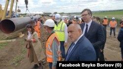 Премиерът на България Бойко Борисов и президентът на Сърбия Александър Вучич посещават строителството на тръбата, юни 2020 г.