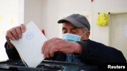 Гласање на изборите во Албанија