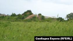 """""""Източната могила"""" край село Караново"""