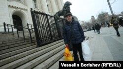 Йосиф Топуридзе пред Съдебната палата в София (архивна снимка)
