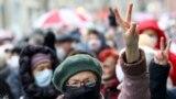 """""""Az utolsó falat kenyérre valót is elvennék"""" - nyugdíjas tüntetők történetei"""