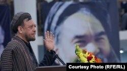 محمد محقق د مارشال محمد قسیم فهیم تلین غونډه کې د وینا پر مهال