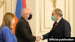 Armenia - Armenian Prime Minister Nikol Pashinian meets with Philip Reeker, the acting U.S. assistant secretary of state for European and Eurasian affairs, Yerevan, June 10, 2021