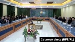 ملاقات اعضای جامعه فرهنگی افغان با عبدالله عبدالله، رئیس شورای عالی مصالحه ملی افغانستان