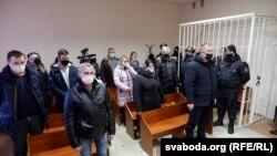 Абвяшчэньне прысуду тром стайкоўцам з БМЗ у Жлобіне