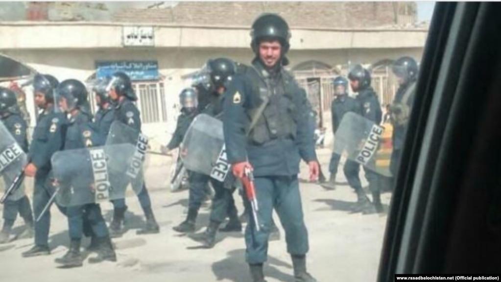 استقرار نیروهای سپاه پاسداران در خیابانها در پی ناآرامیهای اخیر در سیستان و بلوچستان
