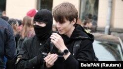 Затримання хлопця на студентському марші, Мінськ, Білорусь, 1 вересня 2020 року