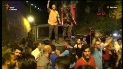 Түркиялықтар әскери бүлікке қарсылық танытты