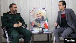 علی ملک شاهکوهی (چپ)، فرمانده سپاه گلستان