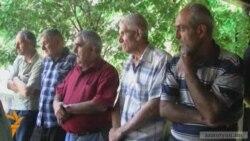 «Նաիրիտ»-ի աշխատակիցները նախագահականի մոտ