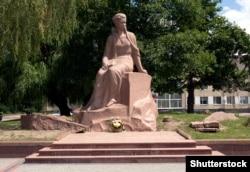 Пам'ятник Лесі Українці в місті Новоград-Волинському Житомирської області