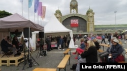 Evenimente și standuri la Târgul de Carte și Festivalul Literar de la Praga 2021.