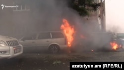 В Степанакерте, де-факто столице Нагорного Карабаха, после обстрела. 4 октября 2020 года.
