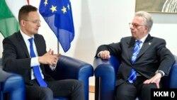 Szijjártó Péter külügyminiszter és Gianni Buquicchio, a Velencei Bizottság elnöke beszélget Strasbourgban 2018. június 18-án
