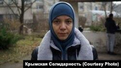Суддя Марія Єрмакова визнала Севілю Омерову винною в адмінправопорушенні за вихід на одиночний пікет і винесла їй попередження в якості запобіжного заходу