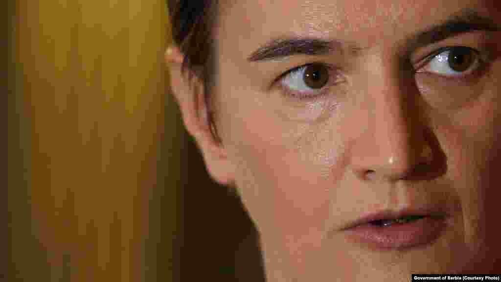 СРБИЈА - ЕУ во моментов не прави ништо, или прави многу малку по прашањето за Косово, изјави српската премиерка Ана Брнабиќ.