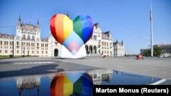 В Унгария редовно има протести срещу действията на правителството за ограничаване на правата на ЛГБТ общността.