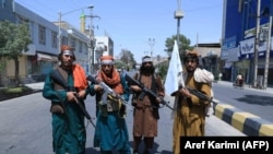 Afganistan: Luftëtarë talibanë, në një rrugë në Provincën Herat, (19 gusht 2021)