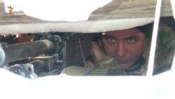 Не з мікрофоном, а з кулеметом, заслужений артист України тримає оборону на Луганщині (відео)