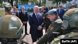 Лукашенко с белорусскими военными