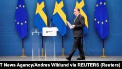 Premijer Švedske Stefan Loftven na press konferenciji nakon što mu je Parlament izglasao nepovjerenje 21. juna 2021. godine. Lofven sada ima sedmicu dana da odluči hoće li raspisati nove izbore ili zatražiti od predsjednika Parlamenta Švedske da formira novu vladu