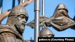 Памятник Александру Невскому в Псковской области