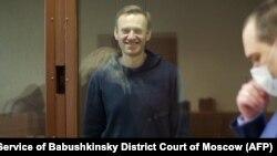 Оппозиционер Алексей Навальный в зале суда. 16 февраля 2021 года.
