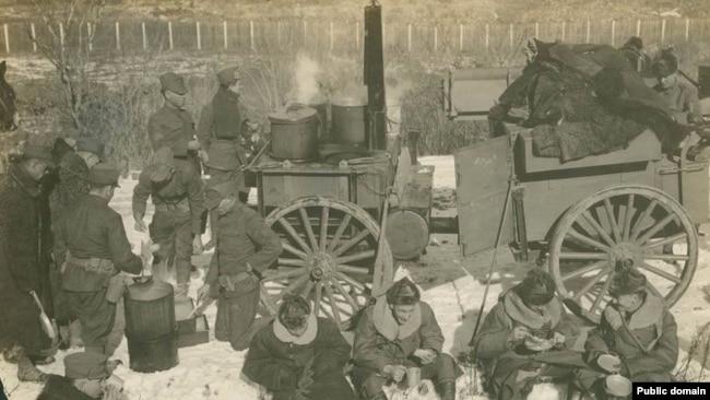 Американская полевая кухня в Сибири. 1919 г.