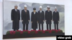 Тасвири шаш президенти Қирғизистон дар назди гулчанбар ҷанҷолбарангез шуд