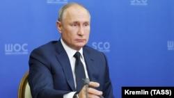 The Kremlin has tried to isolate Putin amid the coronavirus pandemic.