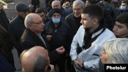 Armenia -- Opposition leader Vazgen Manukian talks to supporters at Liberty Square, Yerevan, February 15, 2021.
