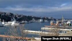 Вид на Южную бухту с улицы Героев Севастополя