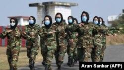 شماری از سربازان زن در افغانستان