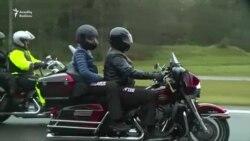 Prezident 3 min motosikletçinin önündə