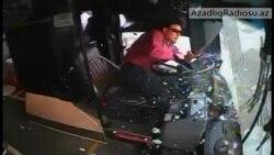 Avtobusla avtomobil toqquşmasının nadir videosu