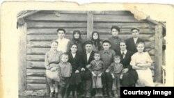 Familia Ghieșu, deportată la 13 iunie 1941 din satul Chirileni în Siberia