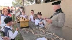 Вязали узлы и стреляли из старинного оружия. В Севастополе прошел исторический фестиваль (видео)