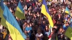 Mariupol Residents Protest Demilitarization Talks