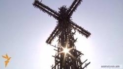 В Армении воздвигают 33-метровый крест