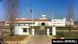The administration building of RFE's RARET transmitter base at Glória do Ribatejo, Portugal.