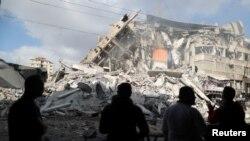 Neprospavana noć i bajramski napadi u Gazi