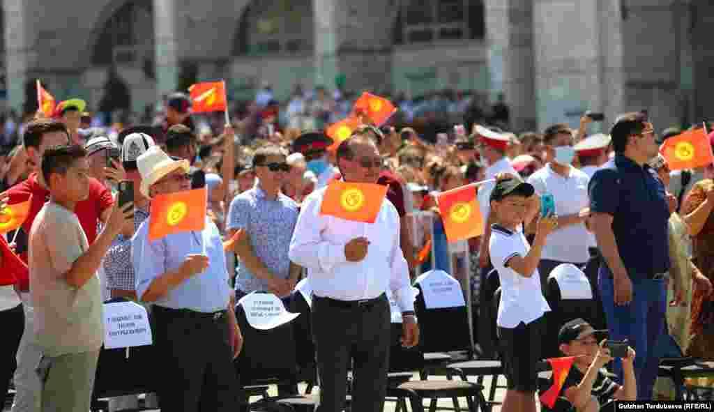 23-июлда расмий башталган Токио Олимп оюндары эртең, 8-августта жыйынтыкталат. Кыргызстандан барган 16 спортчунун ичинен үчөө эки күмүш, бир коло байге алды.