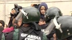 Відео сутичок з поліцією у Барселоні