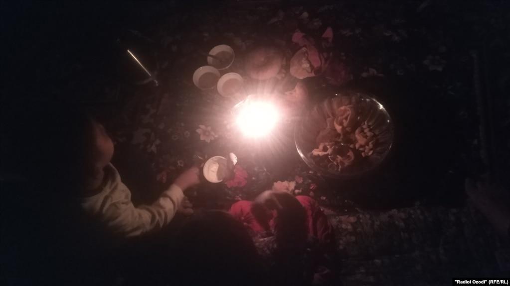 В сельских районах Таджикистана введен энерголимит