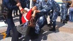 """Задержание """"ипотечников"""" в Астане"""