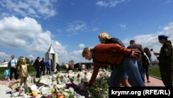 Меморіал у пам'ять жертв концтабору «Червоний» (фотогалерея)